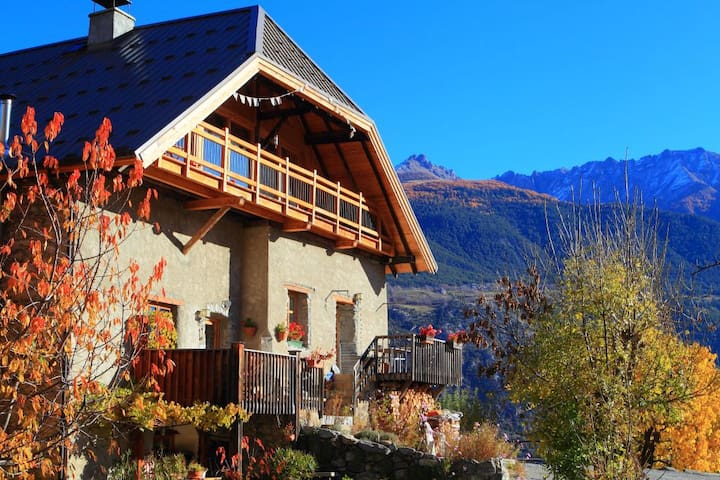 Mountain Lodge Les Pasques