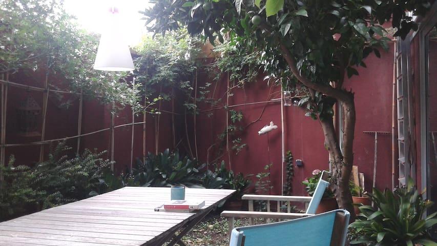 Dúplex con patio en Gracia. - Barcelona - House