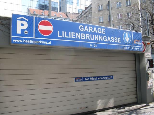Parking garage Lilienbrunngasse