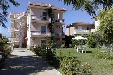 Alexia apartments Kremasti Rhodes - Kremasti - Apartmen