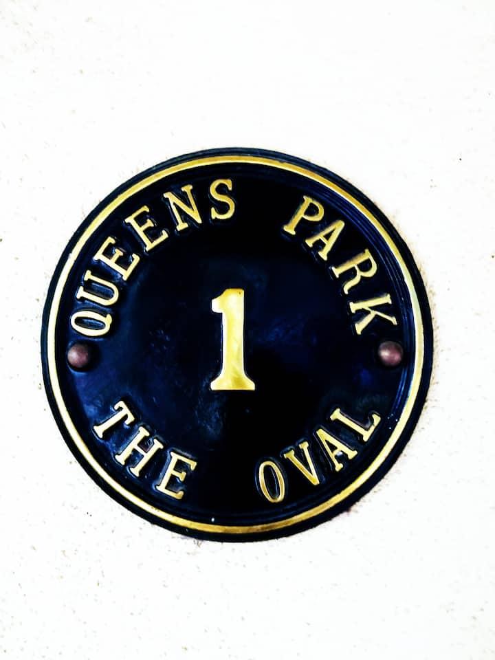 COSY QUEEN'S PARK