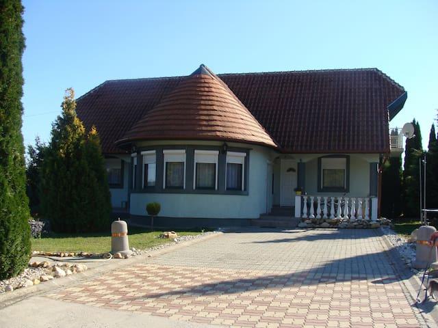 Вилла делюкс для большой семьи или компании - Ligetfalva - Villa