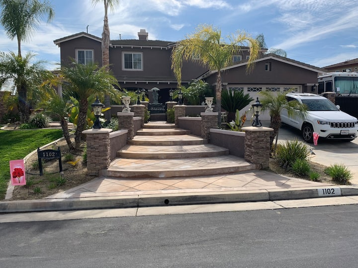 Room for rent in  Luxury home in Mission Grove