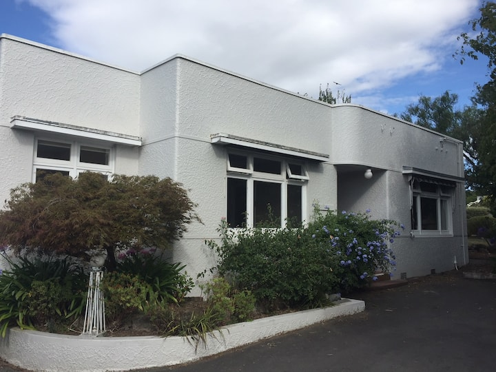 Deco on Duart, Havelock North HolidayHome