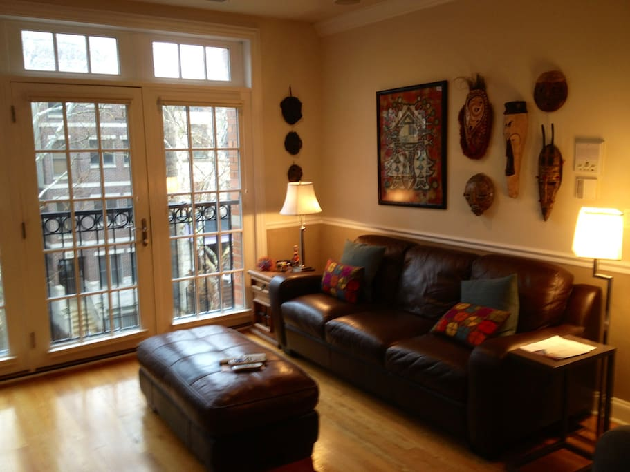 Charming Space In Boystown Lakeview Flats For Rent In Chicago Illinois Un