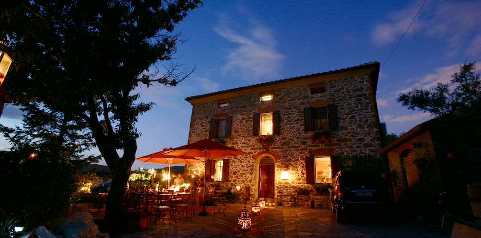 old stone house in tuscany - Lamporecchio - Huis