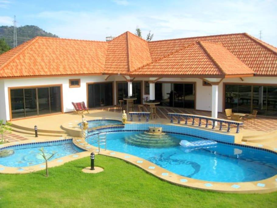 Hua hin villa three private pools houses for rent in for 8 villas hua hin