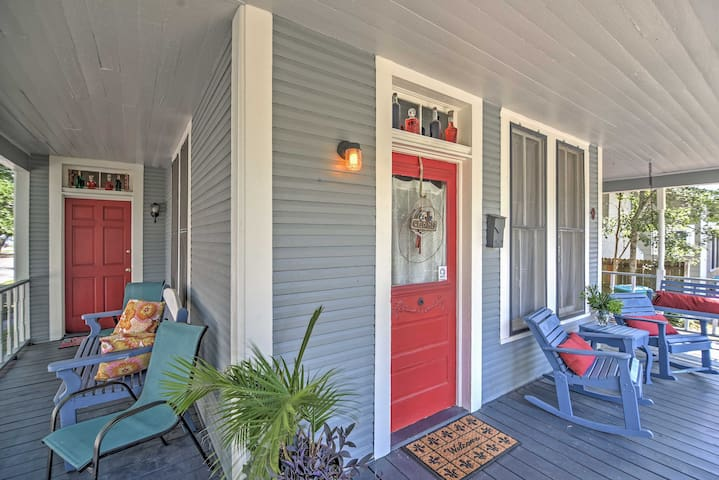 Gulfport Home w/Porch Swing - 3 Blocks to Beach!