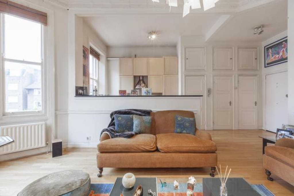 Cosy yet spacious living room. sky tv and stereo