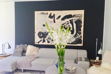 Elegant designer-home in a 'Double House' - Klampenborg