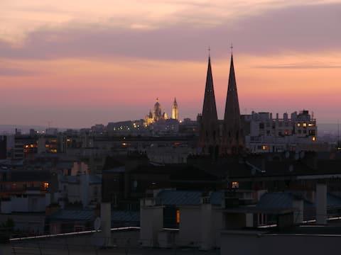 Studio with Panoramic view of Paris