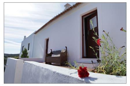 Casas do Palheiro Velho - Montes Castelhanos