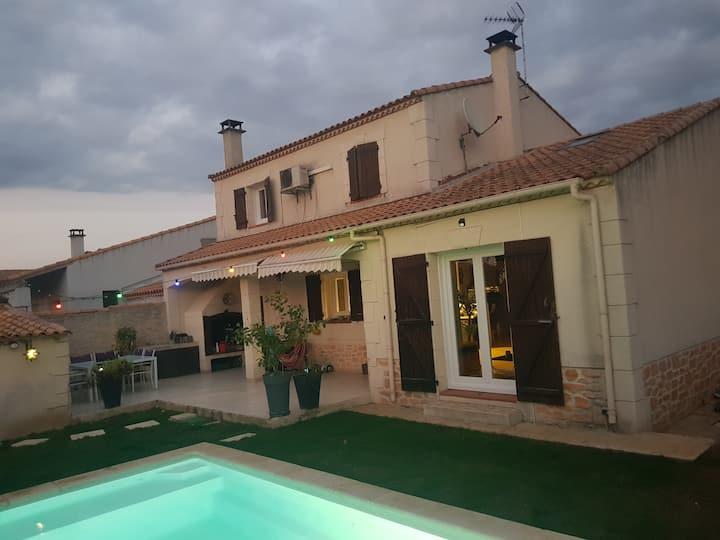 Villa avec piscine à 20mn de la mer