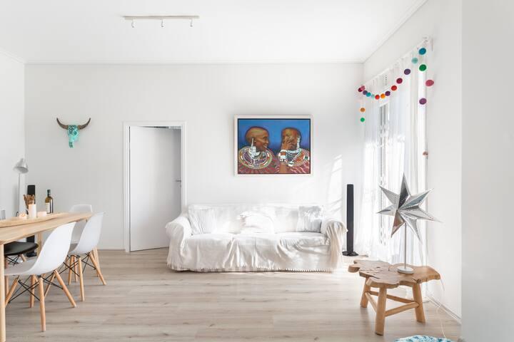 Spacious Apartment in Cholargos