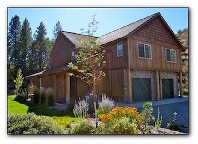 All Seasons Mountain Retreat- near town and trails - Winthrop