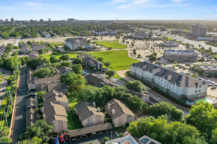 Only 1.1mi to TAMU | 2 bedroom 2 bath unit