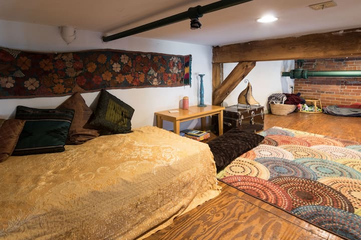 twin bed and loft area