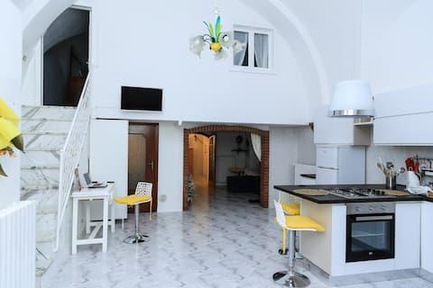 White LAMIONE a modern historical flat near MATERA