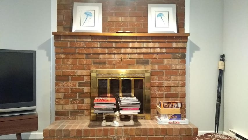Easton Paradise! Warm up in front of our fireplace
