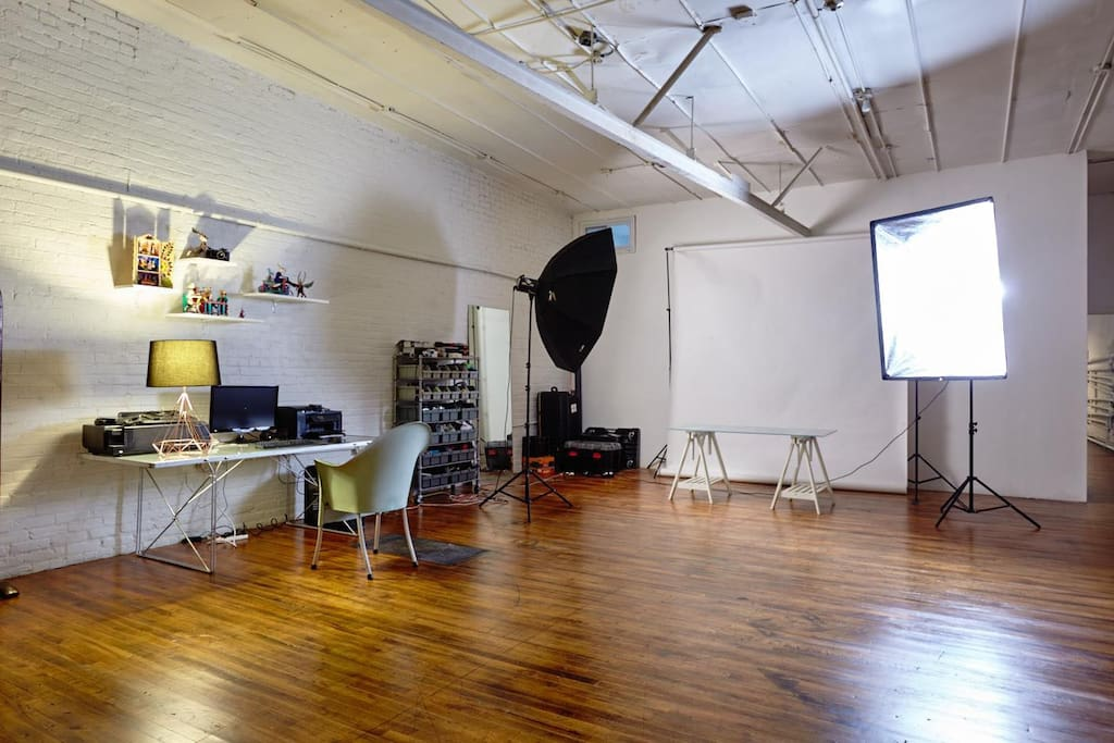 For talents & photographers we also have lighting and backdrops available for rental upon request
