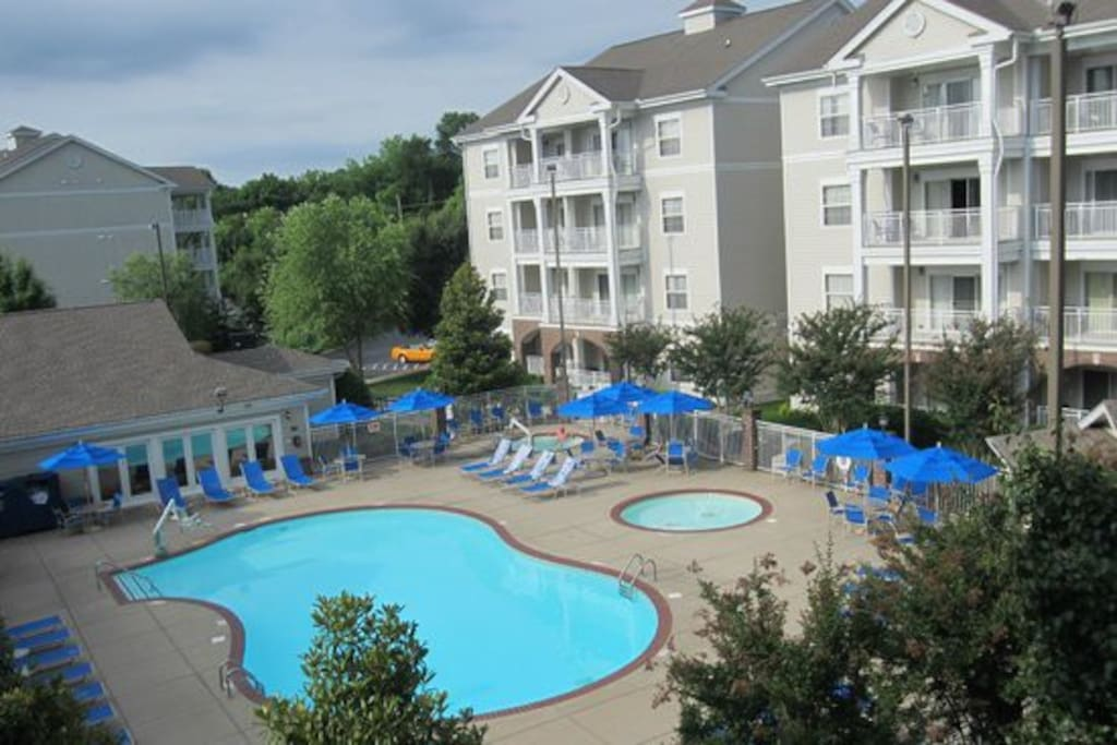 WYNDHAM NASHVILLE RESORT - 1 OF 2 OUTDOOR POOLS