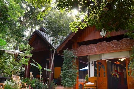 Villa De Boran- Chiangmai Homestay - Tambon Tha Wang Tan - Villa