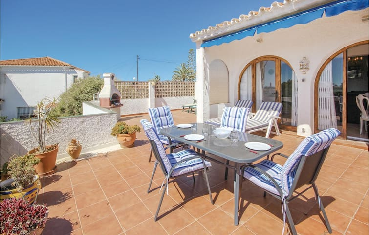 Holiday apartment with 2 bedrooms on 54m² in El Faro