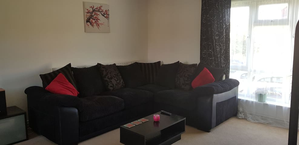 Stylish and spacious room with great entertainment