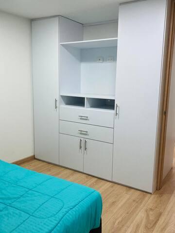 cuarto 1 closet