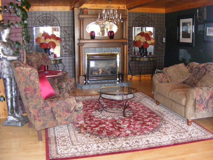 Algonquin Country Deluxe Couples Apartment
