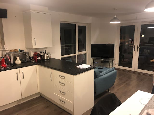 nice new flat! Close to bluewater and London