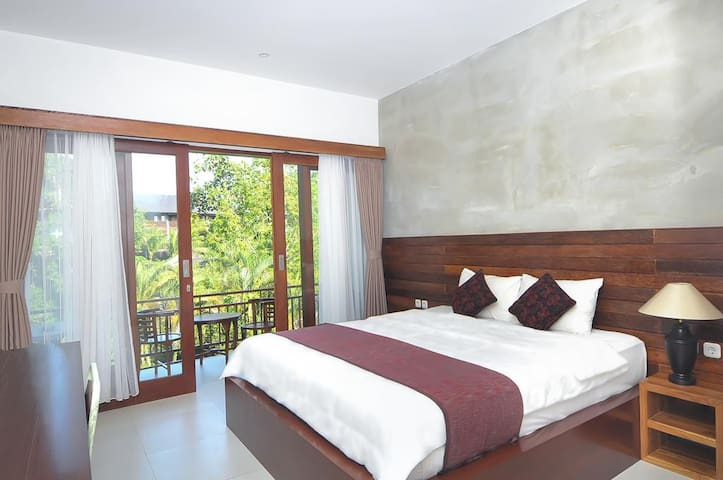 Deluxe room in Ubud with view and great pool