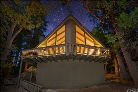 A in the Pines: Modern family friendly A-frame