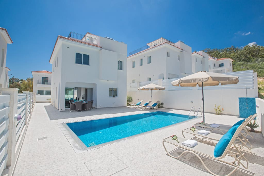 Sunshine Luxury 3 Bedroom Villa With Swimming Pool Houses For Rent In Protaras Ammochostos