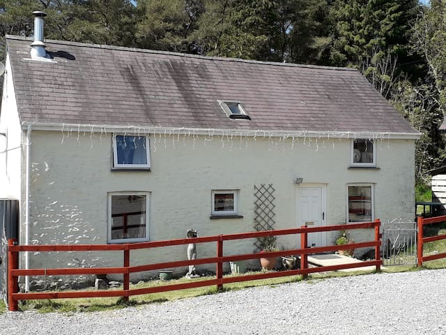 Beautiful secluded cottage  Carmarthenshire