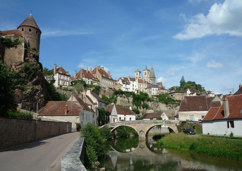Semur en Auxois, ville médiévale - Medieval city