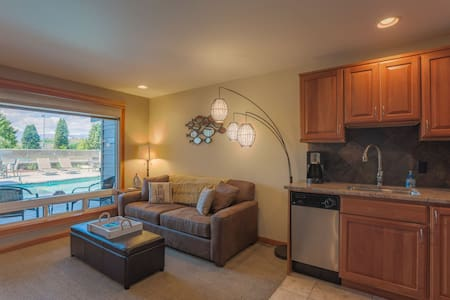 Cabana at the Lake 1 Bedroom Condo - Chelan