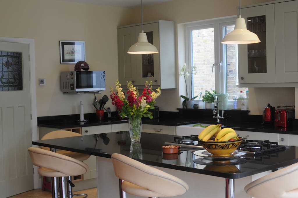 Kitchen/diner with over 2 metre island