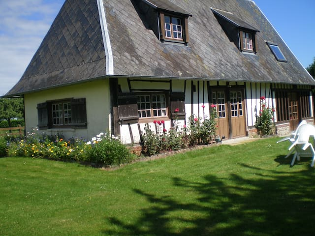 Typical Cottage in Haute-Normandie - Saint-Pierre-des-Ifs - Hus