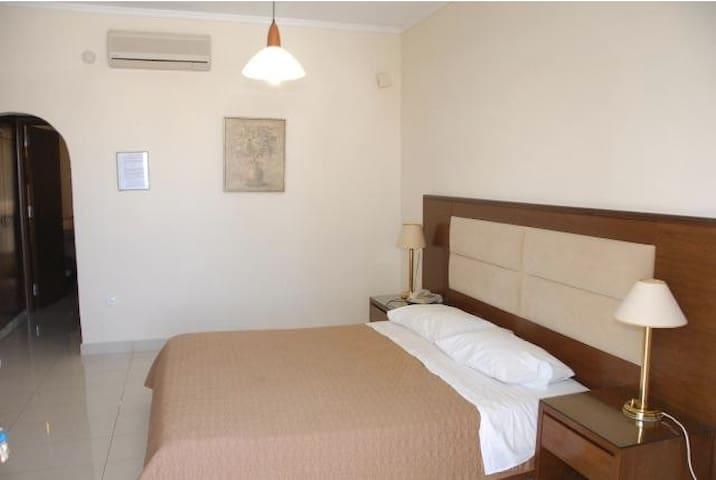 apartment for 4 - Ialysos - Apartamento