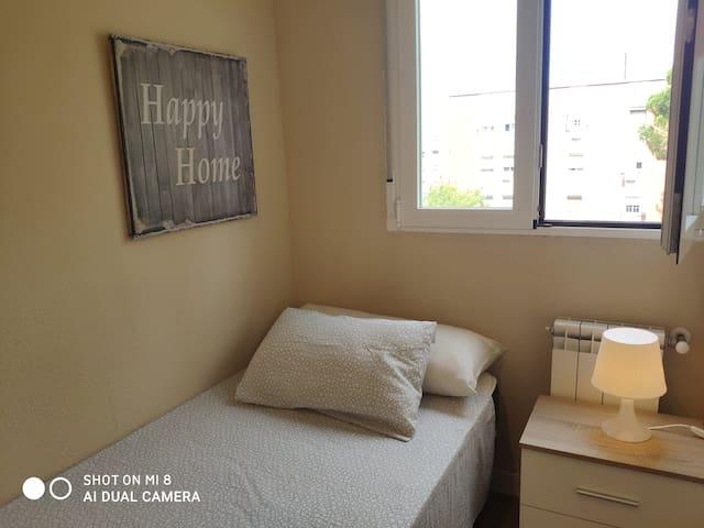 Estupenda y acogedora habitación individual AOH1I
