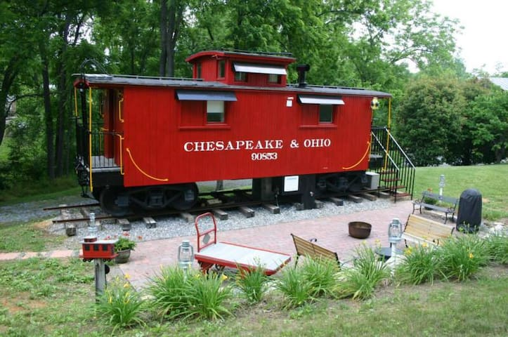 1926 C&O Caboose - Natural Bridge