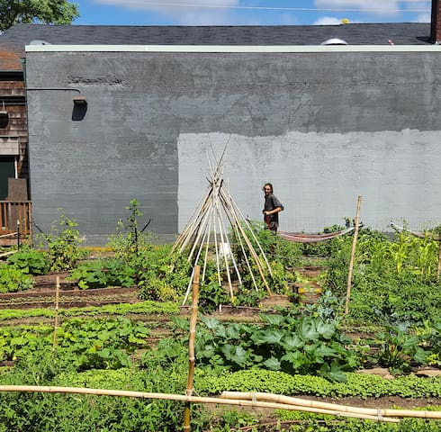Urban farm and Center in heart of Portland