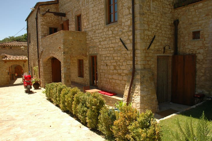 2Br Villa Apt near Radda w/optional scooters - Radda in Chianti - Appartement