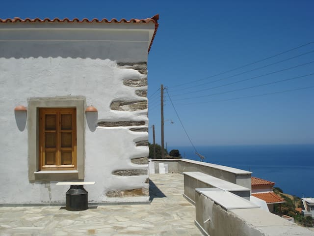 Beautiful house- breath taking view - Sineti - Talo