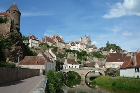 Burgondy Medieval city Studio 3*** - Semur-en-Auxois