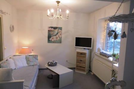 süße Wohnung an der Kieler Förde - Heikendorf