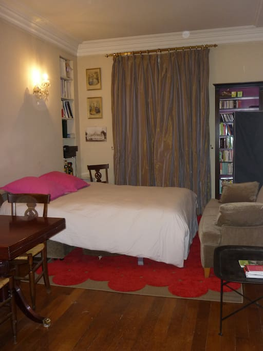 Double bed (very comfortable sofa-bed)