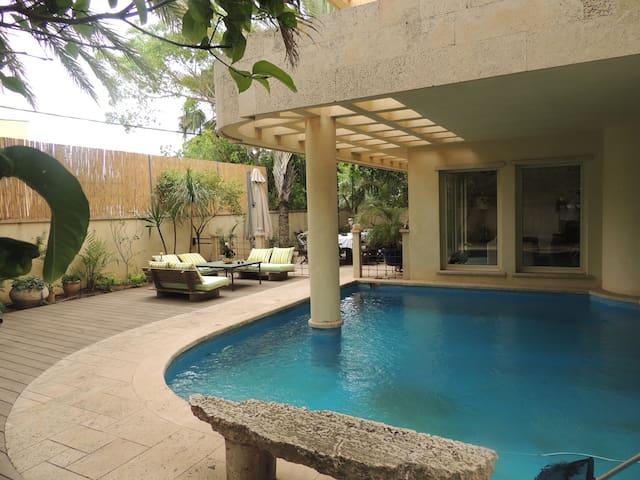 Luxury  Spacious Villa for Rent  - Herzliya - Villa