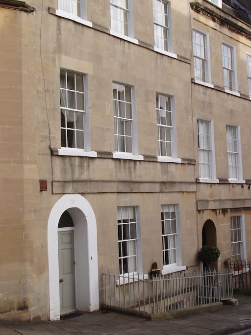 Georgian Townhouse, Central Bath- Great Location
